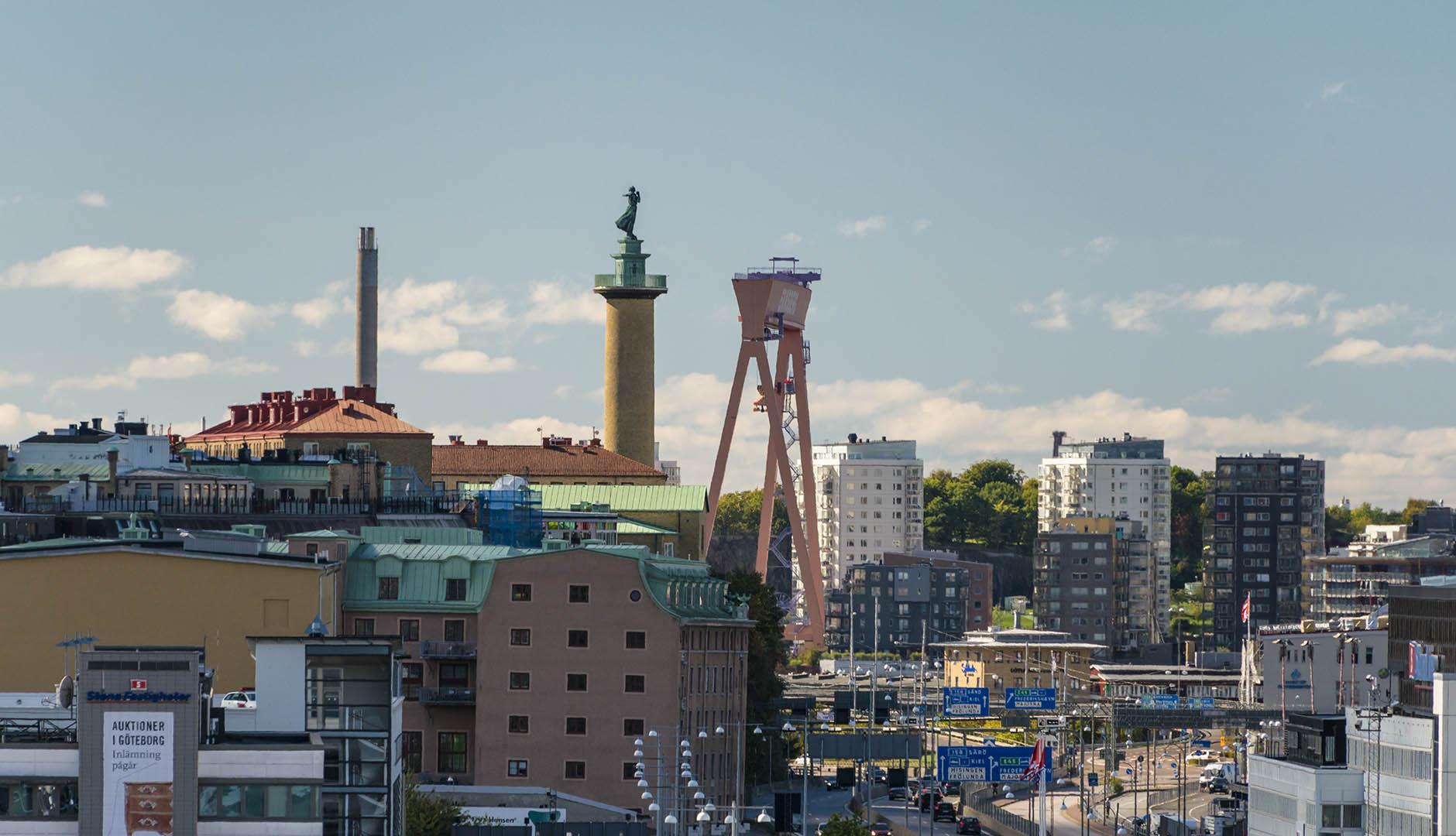 Göteborg med Eriksbergskranen och sjömanshustrun i bakgrunden